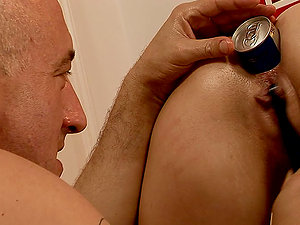 This divine brown-haired Liz Valery lets him have fun with her beaver