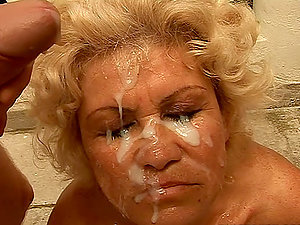 Old woman fucked by 3 dicks gets blast of spunk on her face