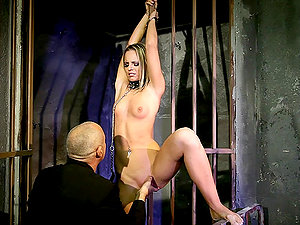 Sexy blonde Vanda Enthusiasm likes being disciplined in a basement