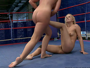 Grappling Beauties Have Joy Eating One Another In The Ring