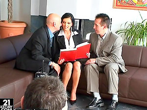 Threesome with big titty black-haired