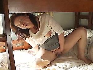 Chesty Chubby Japanese Mature Chizuru Iwasaki Masturbating