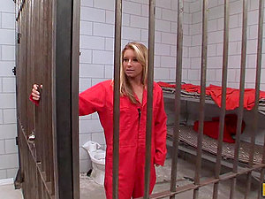 Blonde Inmate Sarah Jackson gets Slammed by the Pizza Fellow