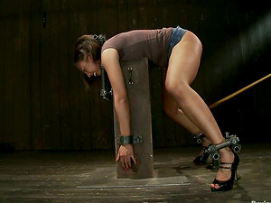 Foxy Lady Alexa Cruz Experiencing Extreme Restrain bondage in Domination & submission Clip