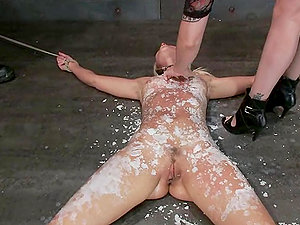 Anikka Albright gets abjected and covered with hot paraffin wax
