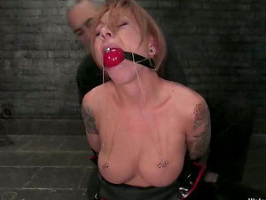 Restrain bondage Session Turns to Torment Underwater for Scarlett Anguish