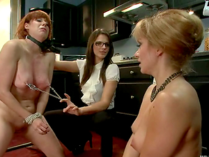 Red-haired Lea Lexis gets whipped and toyed in the culo
