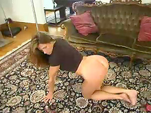 Kym Wilde luvs being whipped by some man indoors