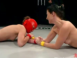 Hot chick in crimson mask wields Ariel X in Ultimate Give up fight