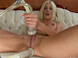 Ash-blonde cougar Puma Sweded uses weird devices in her twat