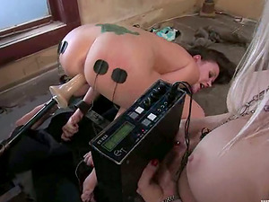 Chained, wired and fucked with a fucking machine