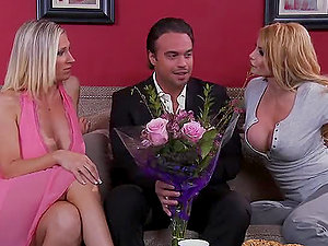 Hot Threesome With The Blonde Mummies Taylor Wane And Devon Lee
