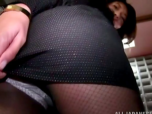 Playful Japanese in pantyhose jiggles her hot arse