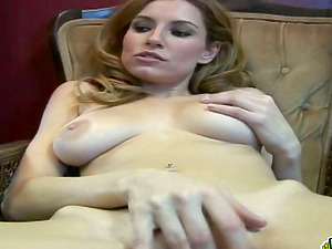 Horny blonde chick masturbates in a fitting room