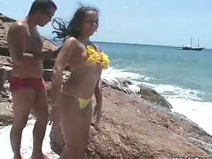 Brazilian sweetie Aline gets her labia gobbled and fucked on a beach