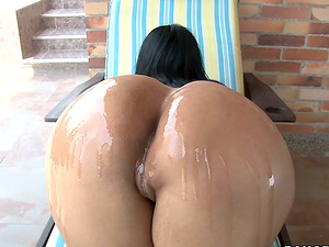 Paola shows her bubble butt and gets her vag drilled from behind