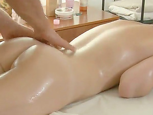 Short-Haired Brown-haired Lady Gets Fucked after Rubdown