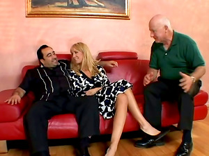 Wild Old School Dude Likes To See His Cougar Wifey Fucking With Other Bro