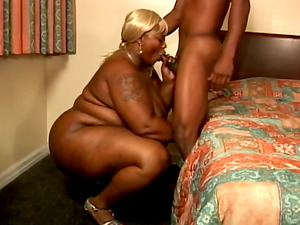 Black Butt BBW Fucking Doggystyle And Missionary In Motel Room