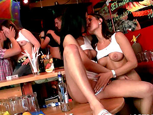 Horny G/g Gfs Smooching and Munching Cunt in the Disco