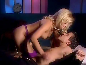 Hot Blonde Bi-atch Blowage With a Sweet Cumswallow
