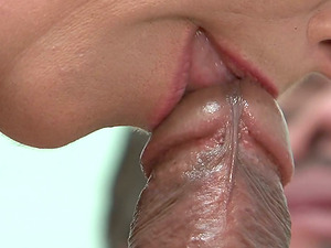 Crazy blow-job from a horny mummy that works as a nurse