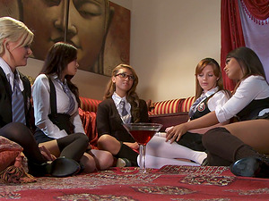 College girl Group Lovemaking Needs No Dicks to Pleasure Their Beavers!