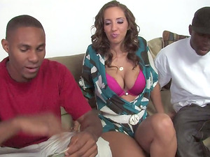 Sexy Woman Takes Jism in Her Mouth in This Wild Threesome