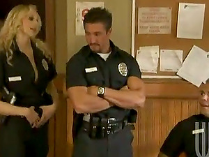 Lesbo Cop Takes Off Her Uniform and Fucks a Suspect