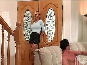 Luxury chicks are sharing a big manstick around the mansion