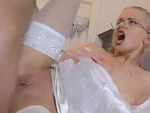 Hot Snatch Pounding Hump For the Moist Dora Venter