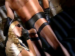 Bondage & discipline banging in some kind of jail inbetween humilated hard-on and babe-guard