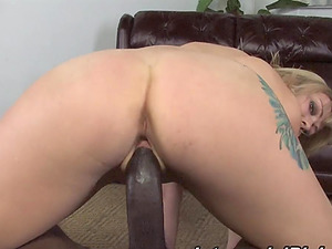 Seems like this blondie found a dick that she wants