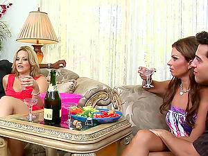 Alexis Texas and Bailey Brooks love interracial four-way banging