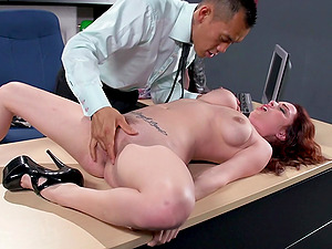 Ashley Graham spreads on a desk and lets Keni Styles fuck her