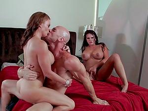 Pleasing Dame In Miniskirt Providing Thick Dick Bj