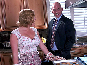 Adorable Housewife In Leather Hooter-sling Getting Rocked Missionary Style