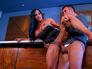 Sexy Black-haired With Hot Bootie Providing Numerous Dicks Deep throat