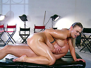 Abbey Brooks leaps on Toni Ribas's manstick after luving rubdown
