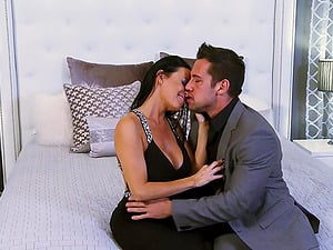 Vanilla Deville gets her mouth and snatch fucked at the same time