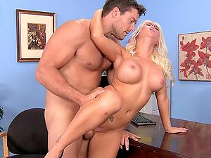 Beautiful Blonde Chick Sammie Spades In A Xxx Ass-fuck Banging