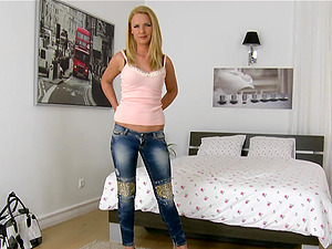 Hot fuck-a-thon with the horny blonde honey Christine Love