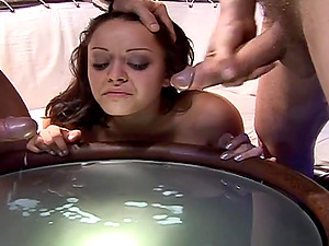 Liza Del Sierra bj's a wang while railing another one in MMF clip