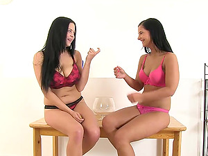 Sexy lesbo stunners have fuck-a-thon while urinating on each other