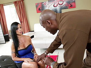Chesty dark haired wench Jewels Jade gets polished by Lexington Steele