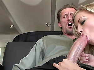 Dasha butterfly pussy lips