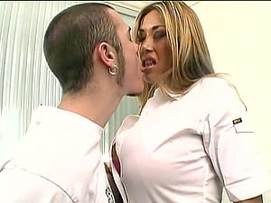 Asian Mummy Gets Cunt Tongued And Fingerblasted On Office Table