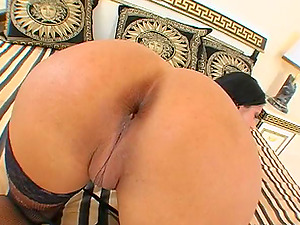Charming Solo Model With Lengthy Hair Masturbating Passionately