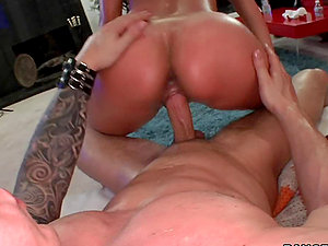 Alexis Breeze gets her booty oiled and her cunt fucked