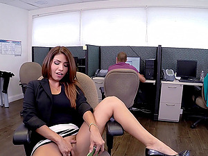 Horny Latina Chick Gets Fucked Gonzo Doggystyle In The Office